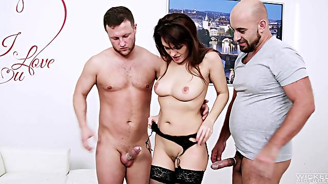 Amateur MMF threesome with double penetration for Dominica Phoenix