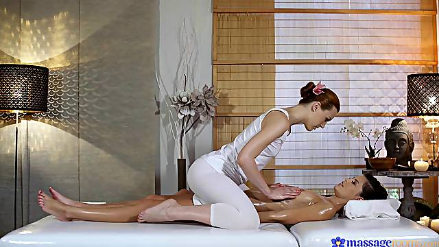Sensual lesbian sex on the massage table - Cindy Shine and Charlie Red