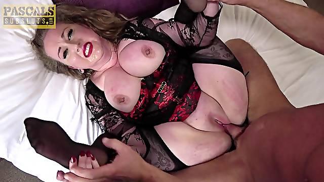 Chubby mature slut Kitten loves being fucked rough and balls deep