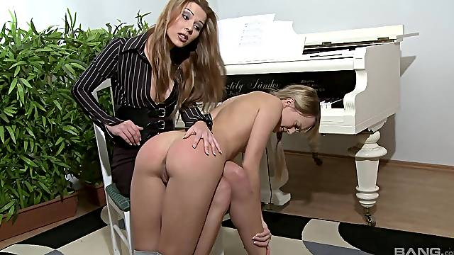 Hot ass slave girl Blue Angel gets spanked by foxy Cindy Hope