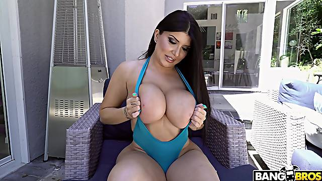 Large ass MILF Romi Rain rides in cowgirl and gets a facial