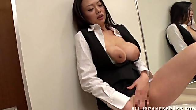 Stunning Japanese secretary Nachi Kurosawa masturbates and gives head