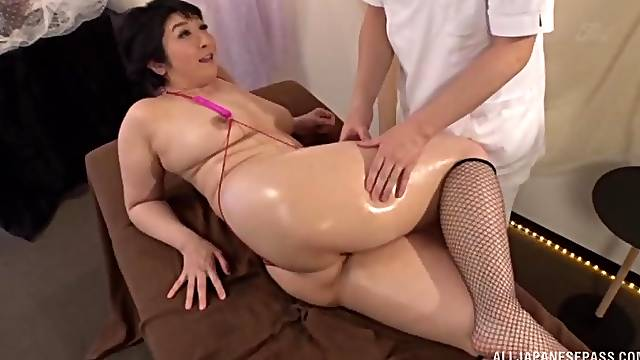 Oiled back massage leads to passionate fucking with Yagi Michika