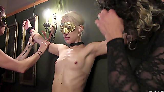 Kinky lesbian group sex with slave girls Siouxsie Q. and Coral Aorta