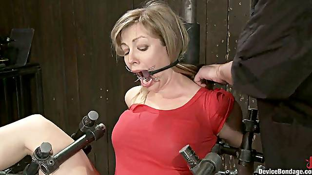 Adrianna Nicole enjoys leads on her boobs and a toy in her vag
