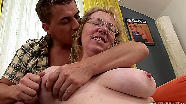 Steve Q licks mature blonde Marie A's cunt before fucking it hard