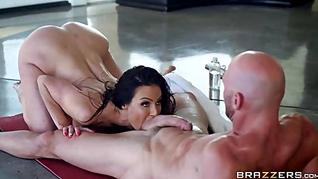 Sex-addicted busty MILF Kendra Lust screwed good in the cowgirl pose