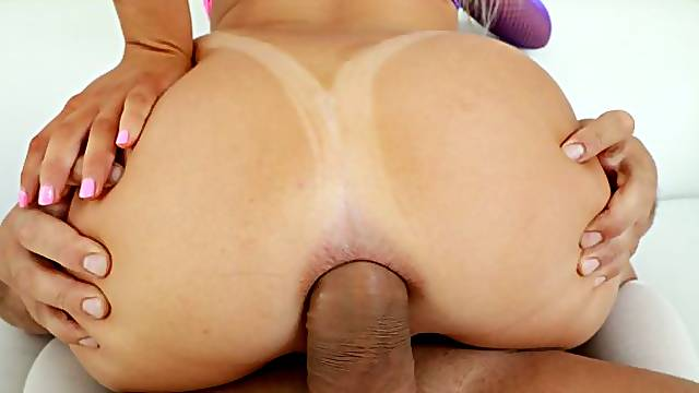 Two men are double penetrating a passionate girl Vienna Rose