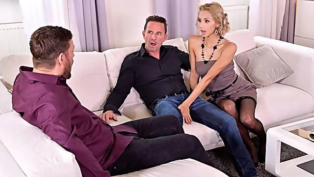 Glamorous maid Veronica Leal is enjoying intensive double penetration