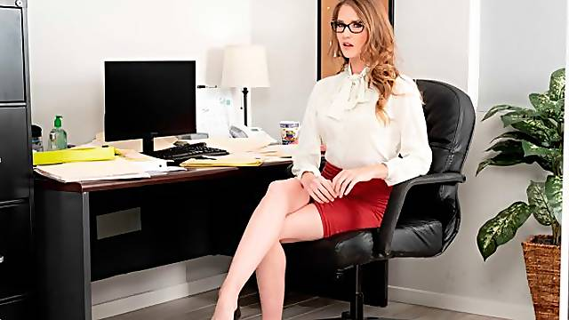 Nerdy lady Ashley Lane fucks with her boss in POV angle