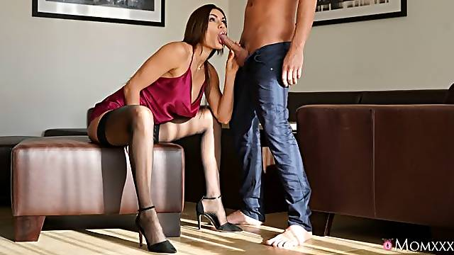 Adorable fake-boobed hottie Kitana Lure shows her skills for a young man