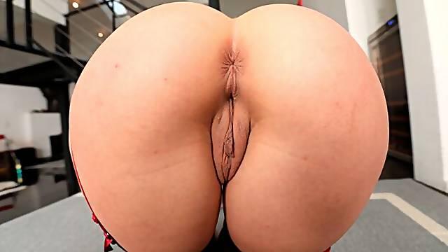 Big-ass babe Martina Smeraldi anally fucked from behind