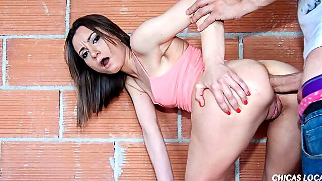 Cute young hottie Valentina Bianco is trying outdoor anal sex