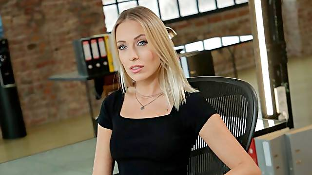 Nice round of hardcore office sex with horny Angelika Grays