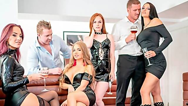 Aesthetic angels Ella Hughes, Alessandra Jane and Jolee Love have sex