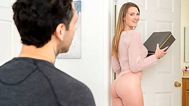 Beauty babe Ashley Lane jumps on a big dick in the cowgirl pose