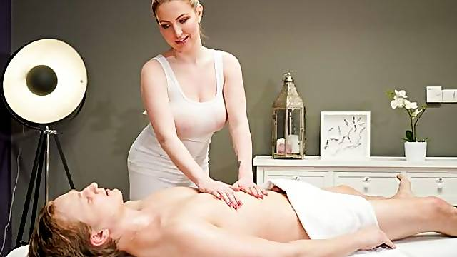 Spicy blonde with huge tits Georgie Lyall nailed on the massage table