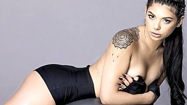 Gina Valentina in Booty Baller