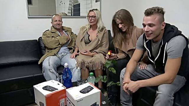 Wife Swap 12/3 (Group fight)