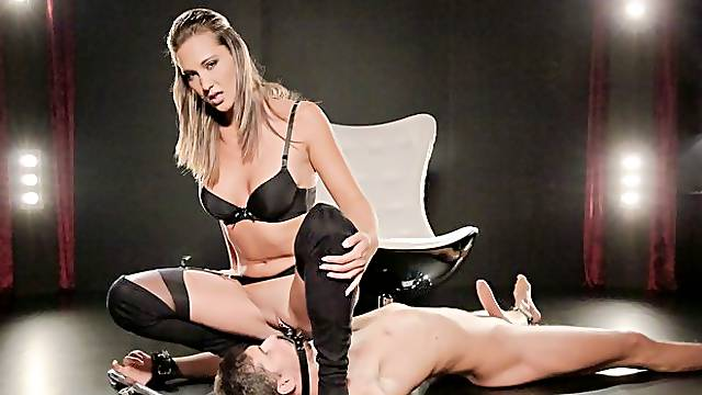 Fetish facesitting session and strapon fuck with sultry Czech babe