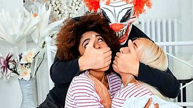 Bisexual chicks ride an evil clown