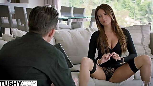 Sexy French Girl Loves Anal