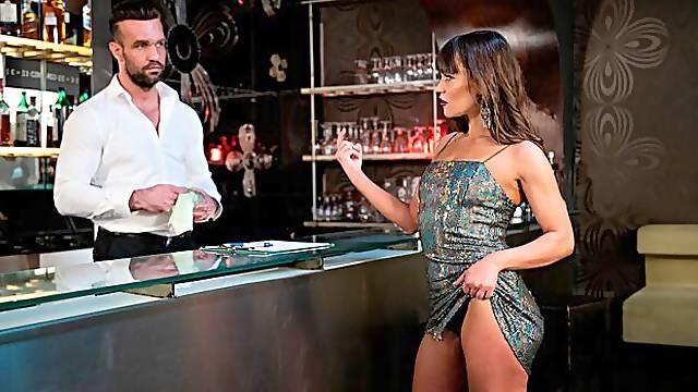 MILF Alyssa Reece Fucks Her New Bartender