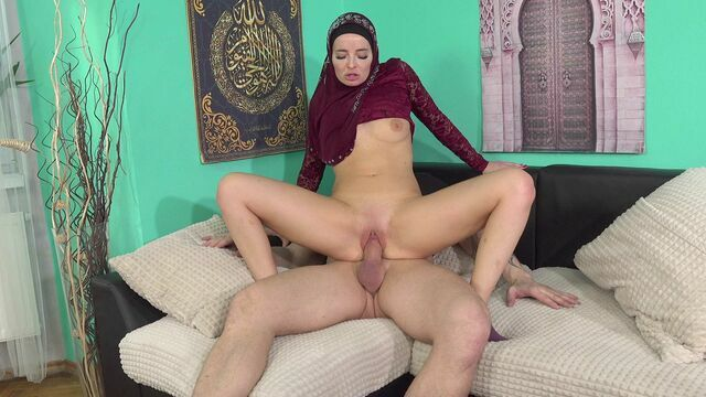 Horny muslim woman wants to please her husband
