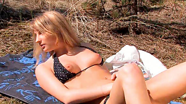 Sex-straved blonde whore goes solo and fucks her pussy with the bottle