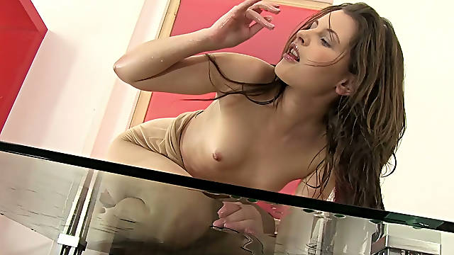 Pretty girl Liona smears her piss all over herself