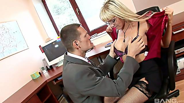 Sexy Slovenian secretary Natalli DiAngelo takes a dick in her anal cave