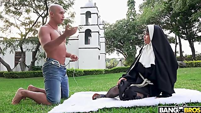 Colombian nun Yudi Pineda gets fucked on the lawn in front of the convent