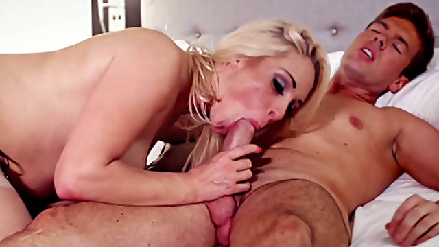 Sweet babe Victoria Summers always looks smoking hot having sex