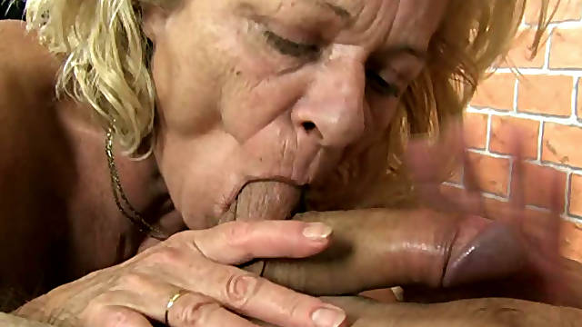 Sporty blonde granny facesitting and giving blowjob
