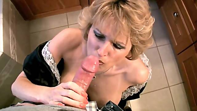 Racquel Devonshire being a house maid