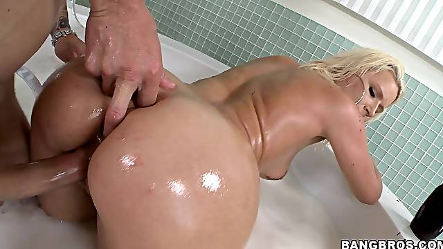 Moaning blonde loves it deeper and faster