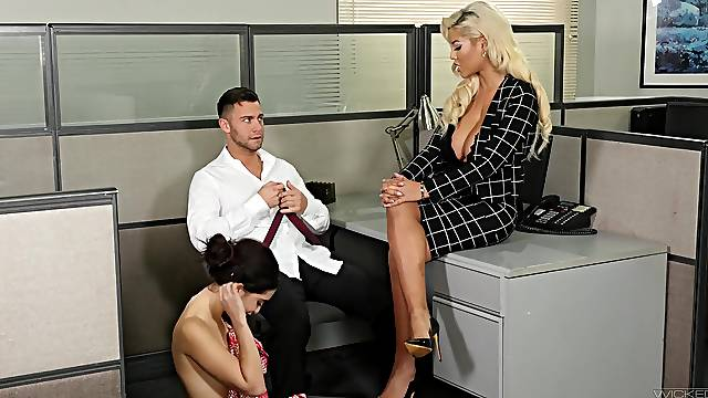 Nice office shag with the new secretary