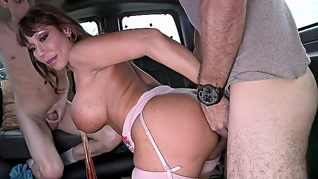 Bang bus seduction in anal scenes for Ava Devine