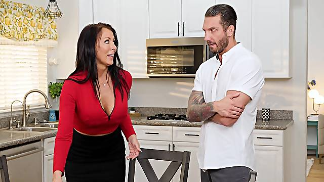 Fine mom soaks tits in sperm