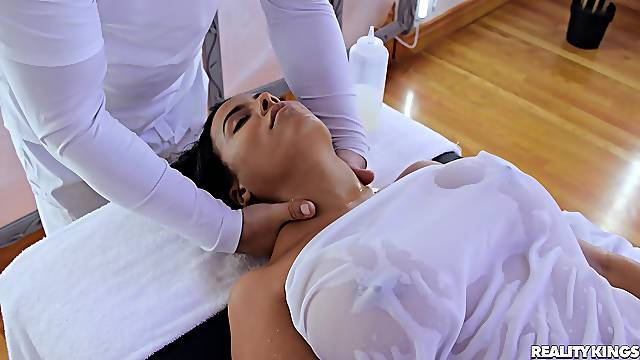 Doggy anal during massage for the interesting wife