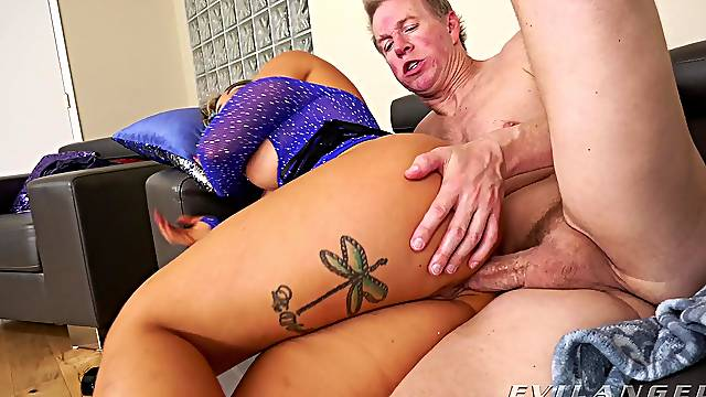 Things are pretty spicy for the naked wife ready for anal