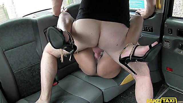 Dirty broad is in no way adverse to screwing her horny cab driver
