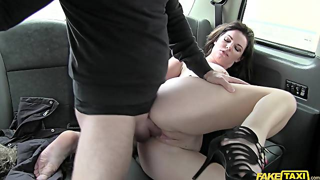 Fucking a cab driver leaves Tasha Holz' hot pussy all wet and tingly