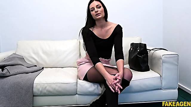 Sweet casting babe reveals her skills on cam