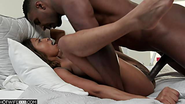 Hubby shows this ebony the right anal pleasures