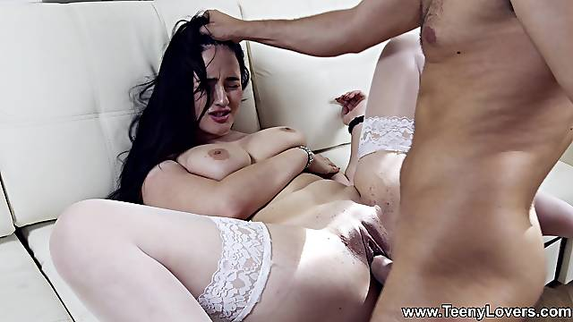Amateur bends for the full dick of her step brother