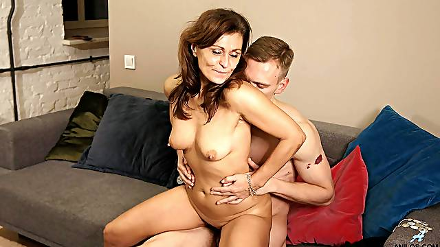 Young lad feels mature mommy's cunt in marvelous home XXX