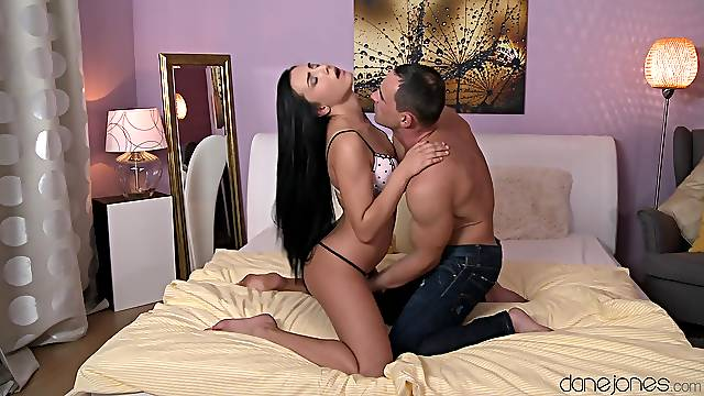 Sweetie moans with every inch that invades her sensible cunt
