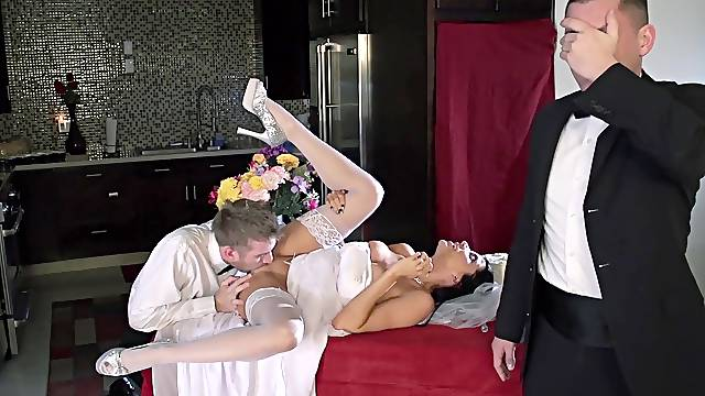 Bride to be ends up trying hard sex with the best man