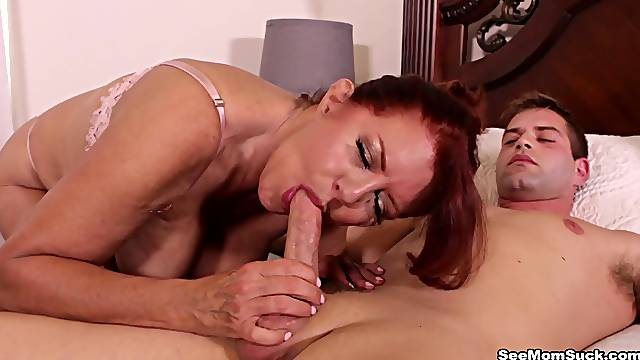 Mature pleases nephew with deepthroat and handjob while posing nude